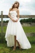 Vestido de noiva em renda Frente curta em organza decote em coração com apliques