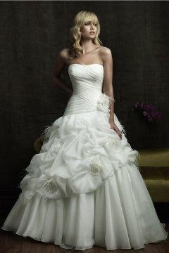 Vintage Princess Pleats Pick Up Flowers Wedding Dress