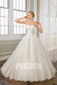 Yarm Lace Sweetheart Embroidery Ball Gown Wedding Dress