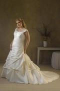 Luxus A-Linie Carré-Ausschnitt Ivory Brautkleider aus Taft