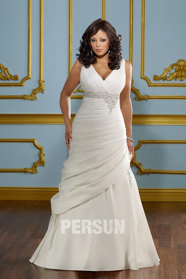 Robe de mariée grande taille à col v