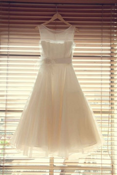 Applique Sheer Round Neck A line Short Organza Wedding Dress