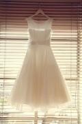 Applique Sheer Round Neck A line Short Organza Wedding Dress