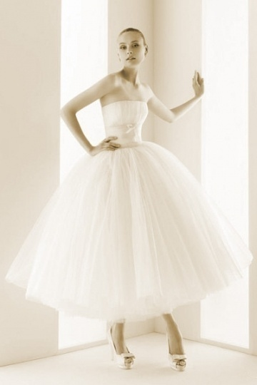Pleats Strapless Ball Gown Tea length Tulle Wedding Dress