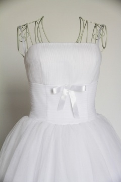 Robe de mariée plissée en tulle sans bretelle longue au mollet