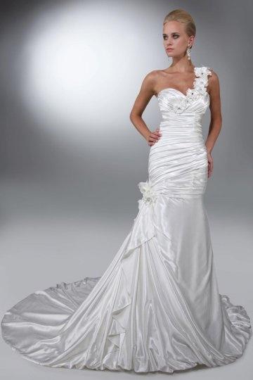One Shoulder Flowers Satin Trumpet Wedding Dress
