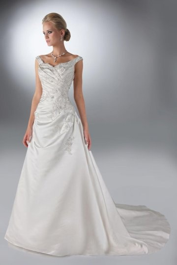 A line Boatneck Appliqued Satin Wedding Dress