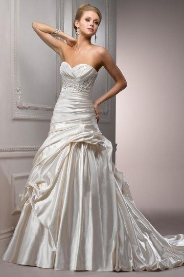 Luxus A-Linie Sweetheart Ivory Brautkleider aus Satin Persun