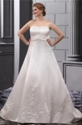 Elegant Strapless Long Satin Embroidery Court Plus Size Bridal dress