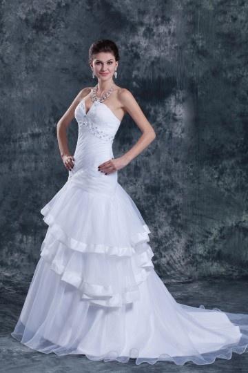 Vestido de noiva sensual bustiê decote em coração decorado de lantejoula e pregueado