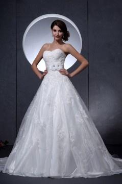 Robe de mariée princesse en organza Ligne A bustier décolleté en cœur