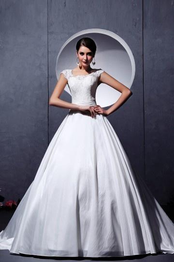 Vestido de noiva princesa em tafetá decote em U linha A