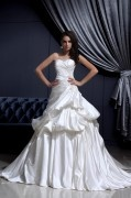Sleeveless Satin Applique Ruffles Sweetheart Chapel Train A line Wedding Dress