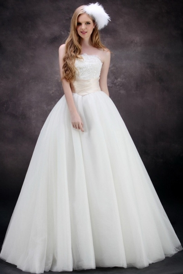 vintage princess wedding gown
