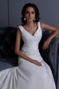 Vestido de noiva longo linha A em tafetá decote em V