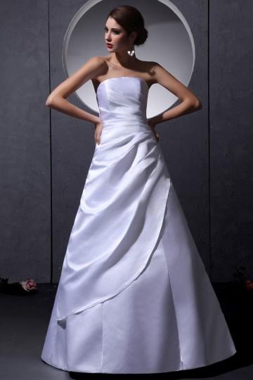 Vestido de noiva simple bustiê linha A em cetim decorado de pregueado