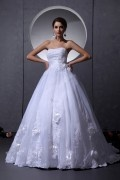 Organza Beading & Handmade Flowers & Applique Strapless Chapel A line Bridal Gown Wedding Dress