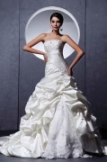 Satin Tulle Ruffle Applique Embellishment Sweetheart Chapel A line Bridal Gown Wedding Dresses