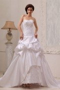Sleeveless Lace Charmeuse Beading Sweetheart Chapel Train A line Wedding Dresses