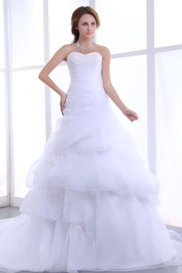 Vestido de noiva bustiê decote em coração decorado de apliques e pregueado