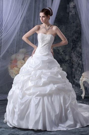 Vestido de noiva bustiê princesa linha A em tafetá decorado de pérola