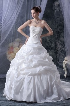 Robe de mariée bustier princesse Ligne A en taffetas ornée de perle