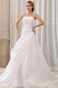 Herz Ausschnitt Applikation gefaltetes Hochzeitskleid aus Taft mit Hof Schleppe