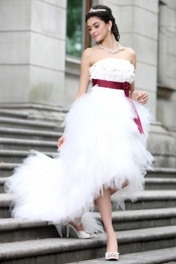 Robe de mariage luxueuse à bord asymétrique