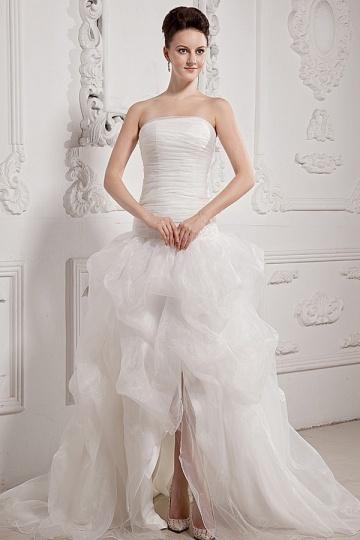 Vestido de noiva bustiê pregueado bailha assimétrica em organza
