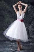 Neckholder Band Blume verziertes knielanges Hochzeitskleid aus Tüll