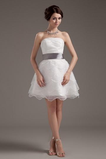 Mini Vestido de noiva bustiê em organza decote com cinto