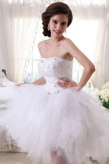 Vestido de noiva bustiê coração em Tule decorado de jóias