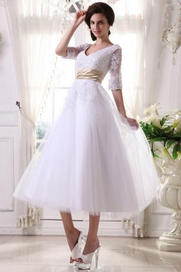 Vestido de noiva branco decote em V Império com manga 1/2