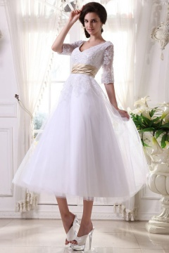 Chic A Line V Neck Half Sleeves Tulle Ivory Wedding Dress