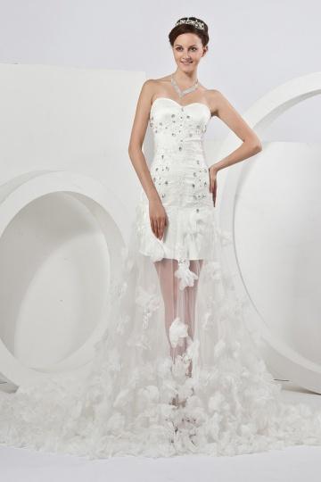 Vestido de noiva Moderno decote caracteriza um coração floral atrás