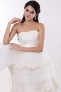 Tiers Embroidery Tulle Strapless Short Wedding Dress