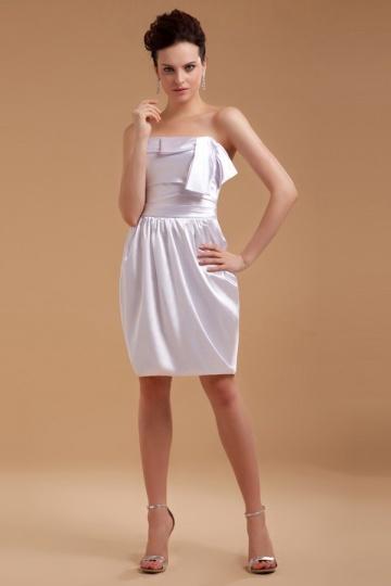Vestido de noite bustiê branco em cetim curto