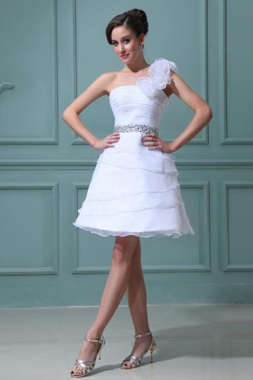 Vestido de noiva curto um ombro em organza