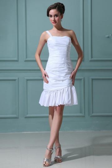 Vestido curto branco ombro aberto com uma alça em tafetá