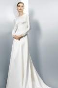 2016 Elegantes A-Linie Ivory Brautkleider mit Ärmel aus Satin