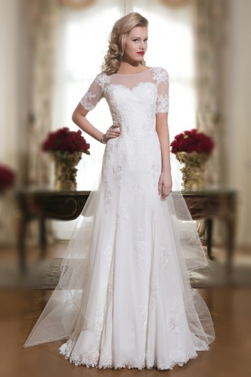 Court Train A Line Bateau Appliques Ivory Chiffon Wedding Dress With Short Sleeves