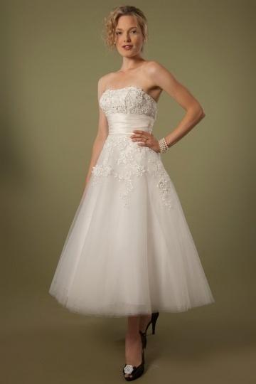 2016 Trägerloses A-Linie Wadenlanges Ivory Brautkleider aus Tüll Persun
