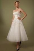 2016 Trägerloses A-Linie Wadenlanges Ivory Brautkleider aus Tüll