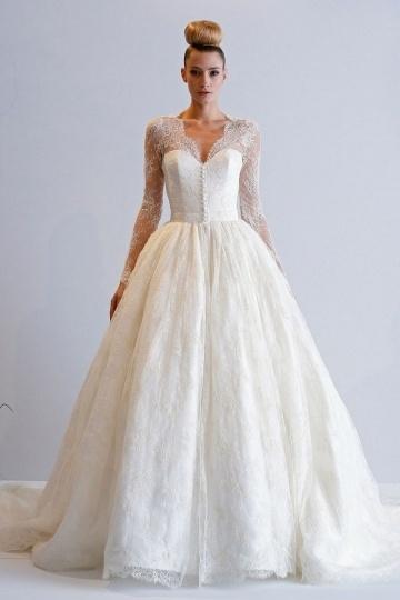 2016 Luxus Ivory Prinzessin Stil V-Ausschnitt Brautkleider aus Spitze mit Ärmeln Persun