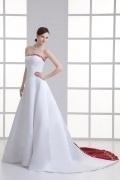 Luxus Hof-Schleppe Trägerloses A-Linie Brautkleider aus Satin