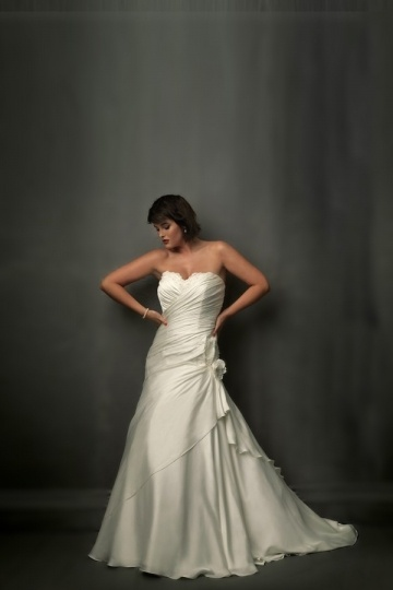 Weddingbuy Sweetheart Ruching Flower Lace Up Satin Plus Size Wedding Gown