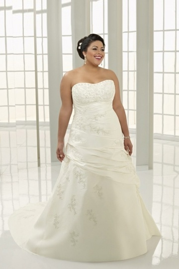 Weddingbuy Strapless Taffeta Appliques Lace Up Plus Size Wedding Dress