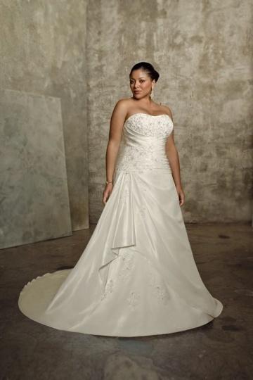 Weddingbuy Strapless Appliques Taffeta Ivory Plus Size Bridal Gown