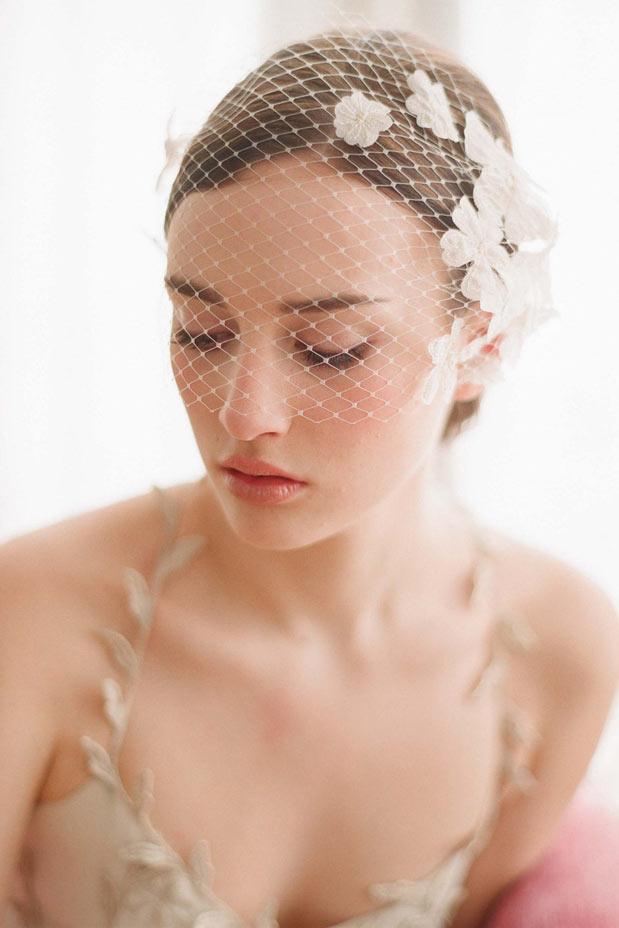 weiß Blumendruck Braut Haarreifen Gesichtschleier
