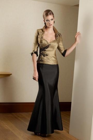 robe pour personnes g es sir ne avec fleurs appliqu es. Black Bedroom Furniture Sets. Home Design Ideas